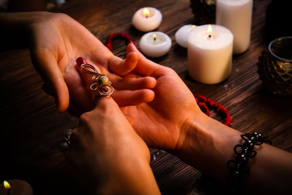 Psychic Spell caster with Online healing services